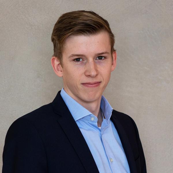Maximilian Ewering