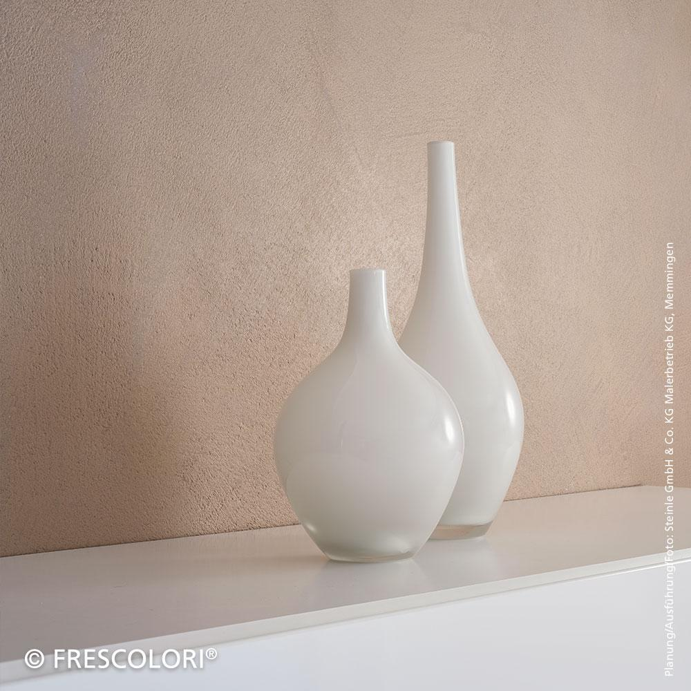 CARAMOR® Wand hinter Vasen